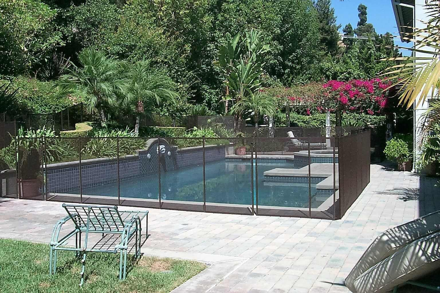Classic Mesh Pool Fence in Brown